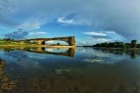 Ruiny mostu w okolicy Kłopotu